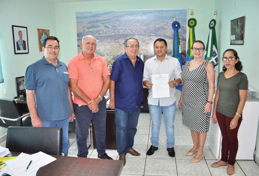 Candidato Elgio Maciel foi empossado no cargo de Motorista CNH D. Foto: Jabuty