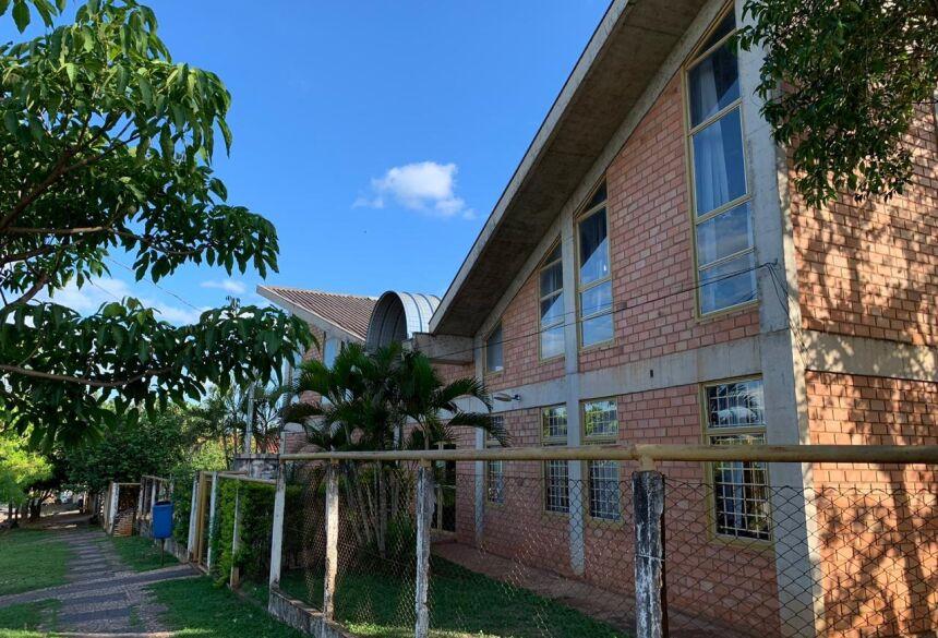 A Biblioteca fica na Rua Persio Schaman, esquina com a Rua 29 de Maio, ao lado da Feira do Produtor. Foto: Jabuty