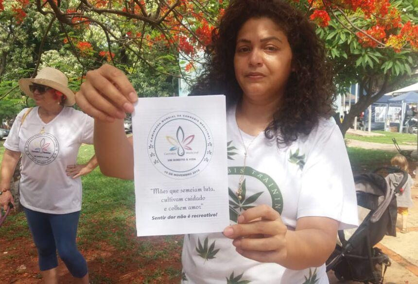Caminhada realizada em Campo Grande teve objetivo de conscientizar e diminuir o preconceito em relação a planta - Foto: Reprodução/Anvisa