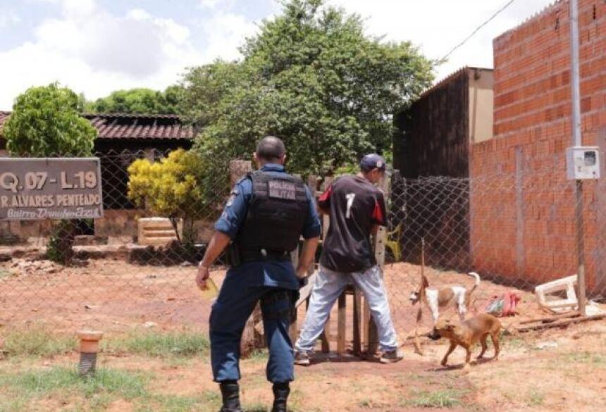Policia Militar foi acionada e mulher apreendida. (Foto: Kísie Ainoã)