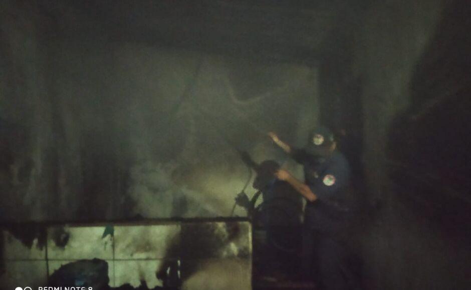 Incêndio destrói residência em bairro, fogo aconteceu de madrugada em Bonito (MS)