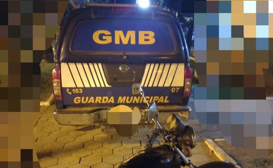 Motociclista embriagado e desobedecendo Toque de Recolher é preso pela Guarda Municipal Bonito (MS)