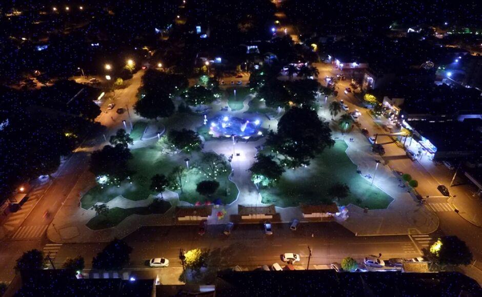 Prefeitura licita iluminação da Praça da Liberdade e do CMU em Bonito (MS)