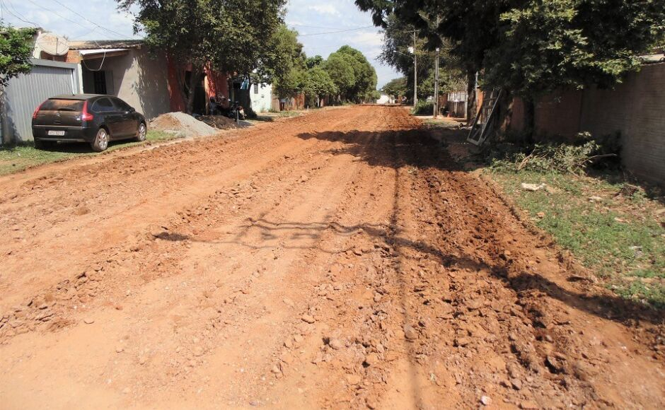 Asfalto está chegando na Rua das Esmeraldas, ela não estava incluída no projeto original em Bonito