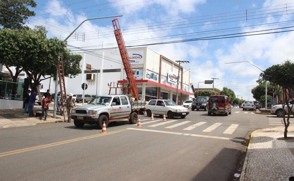 Semáforos começam ser instalados em Bonito (MS)
