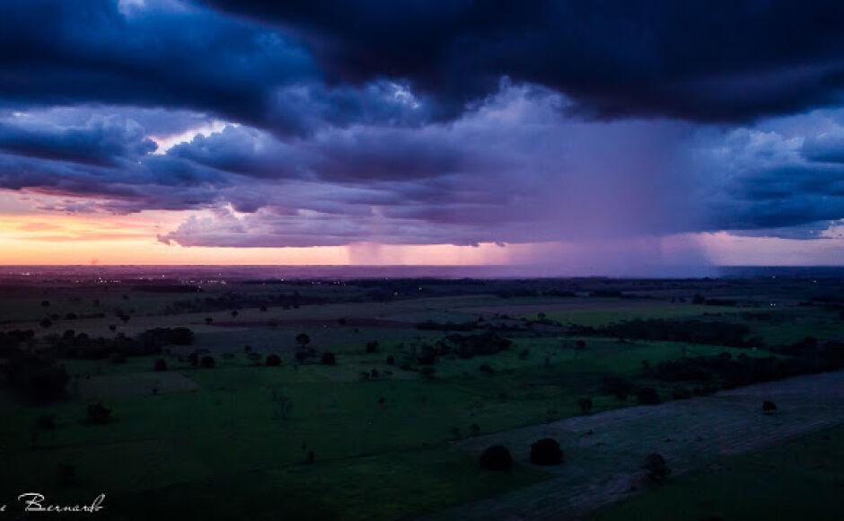 Feriadão terá queda na temperatura e chuva forte na quinta-feira (15) em Bonito (MS)