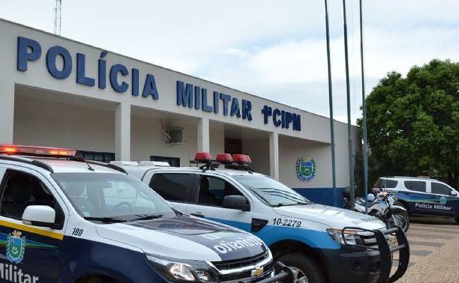 Abordagem rende duas prisões, uma com mandato e outra de bebida alcoólica a menor em Bonito (MS)