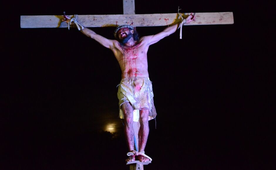 Espetáculo da Paixão de Cristo emociona público em Bonito