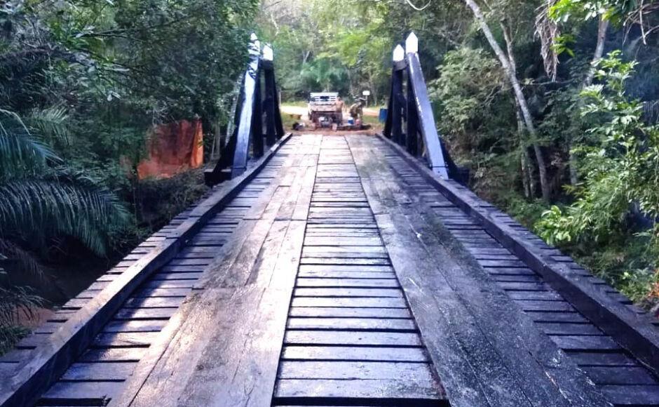 Valorizando a zona rural, prefeitura conclui reforma de ponte na fazenda Furna Dourada em Bonito
