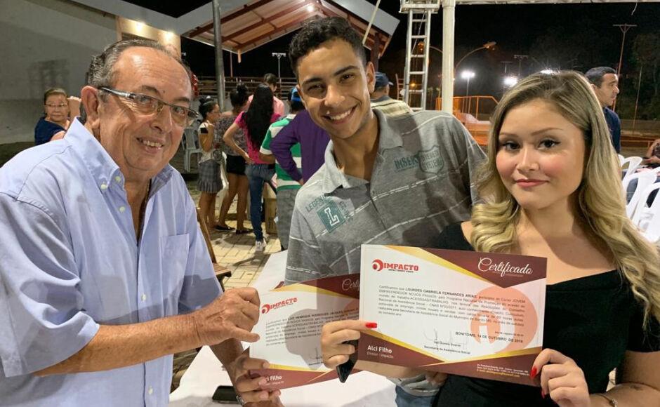BONITO: Prefeito entrega certificados de curso de aprimoramento profissional, VEJA AS FOTOS