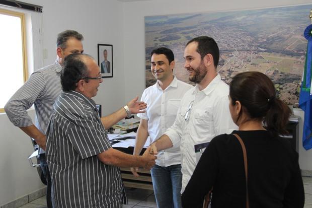 FOTOS: JABUTY - Prefeito recebe entidades e debate ações em prol do Turismo em Bonito (MS)